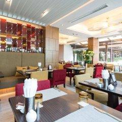 Отель Legacy Suites Sukhumvit by Compass Hospitality Таиланд, Бангкок - 2 отзыва об отеле, цены и фото номеров - забронировать отель Legacy Suites Sukhumvit by Compass Hospitality онлайн питание фото 3