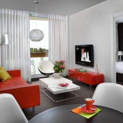 Alexander Tel-Aviv Hotel Израиль, Тель-Авив - 10 отзывов об отеле, цены и фото номеров - забронировать отель Alexander Tel-Aviv Hotel онлайн комната для гостей фото 5