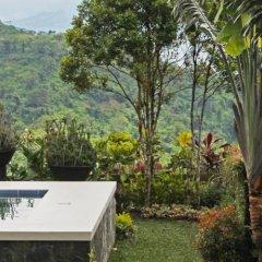 Отель Discovery Country Suites Филиппины, Тагайтай - отзывы, цены и фото номеров - забронировать отель Discovery Country Suites онлайн приотельная территория фото 2