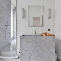 Отель Guest Trotter Bristol Франция, Париж - отзывы, цены и фото номеров - забронировать отель Guest Trotter Bristol онлайн ванная фото 2
