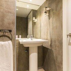 Отель Aparthotel Recoletos Мадрид ванная