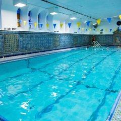 Отель West Side YMCA бассейн