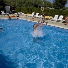 Отель Camping Salata Испания, Курорт Росес - отзывы, цены и фото номеров - забронировать отель Camping Salata онлайн бассейн