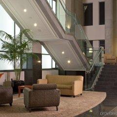 Отель Delta Hotels by Marriott Vancouver Downtown Suites Канада, Ванкувер - отзывы, цены и фото номеров - забронировать отель Delta Hotels by Marriott Vancouver Downtown Suites онлайн интерьер отеля фото 3