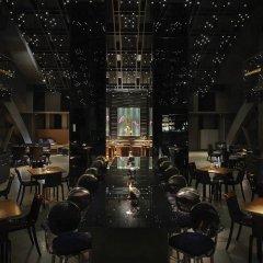 Отель Banyan Tree Bangkok гостиничный бар