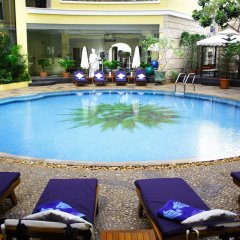 Отель Four Seasons Place Таиланд, Паттайя - 6 отзывов об отеле, цены и фото номеров - забронировать отель Four Seasons Place онлайн спортивное сооружение