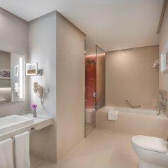 Отель The Act Hotel ОАЭ, Шарджа - 1 отзыв об отеле, цены и фото номеров - забронировать отель The Act Hotel онлайн ванная