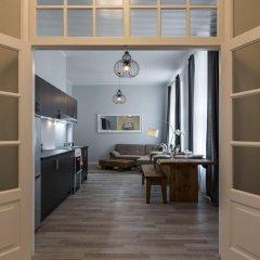 Отель Bearsleys Downtown Apartments Латвия, Рига - отзывы, цены и фото номеров - забронировать отель Bearsleys Downtown Apartments онлайн комната для гостей