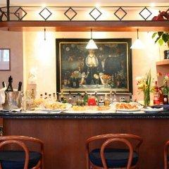 Отель Best Western Hotel Artdeco Италия, Рим - 2 отзыва об отеле, цены и фото номеров - забронировать отель Best Western Hotel Artdeco онлайн гостиничный бар