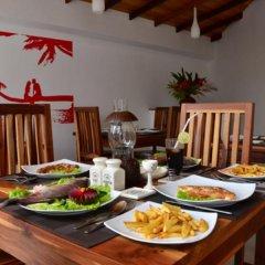 Отель Vesma Villas Шри-Ланка, Хиккадува - отзывы, цены и фото номеров - забронировать отель Vesma Villas онлайн питание фото 3