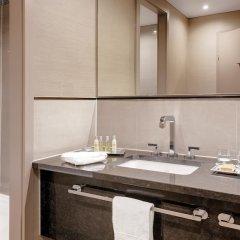 Отель Hilton Munich City Германия, Мюнхен - 9 отзывов об отеле, цены и фото номеров - забронировать отель Hilton Munich City онлайн ванная фото 2
