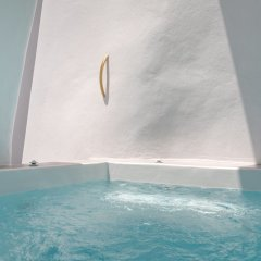 Отель Namaste Suites by Caldera Houses Греция, Остров Санторини - отзывы, цены и фото номеров - забронировать отель Namaste Suites by Caldera Houses онлайн бассейн фото 2