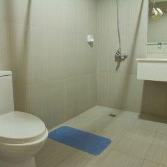Отель Nichols Airport Hotel Филиппины, Паранак - отзывы, цены и фото номеров - забронировать отель Nichols Airport Hotel онлайн ванная фото 2