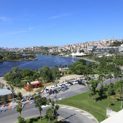 Ramada Hotel & Suites Istanbul Golden Horn балкон