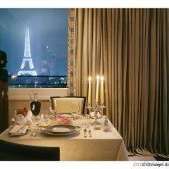 Hotel Plaza Athenee Париж в номере