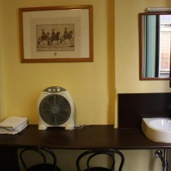 Отель Hostal Baires ванная фото 2