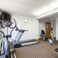 Отель Clarion Inn and Summit Center фитнесс-зал фото 2