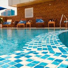 Al Salam Grand Hotel-Sharjah бассейн