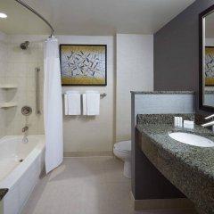 Отель Courtyard by Marriott Montreal Airport Канада, Монреаль - отзывы, цены и фото номеров - забронировать отель Courtyard by Marriott Montreal Airport онлайн ванная