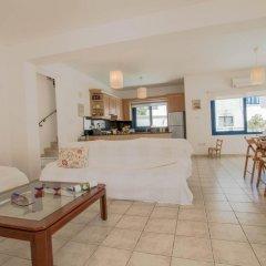 Отель Villa Saint Nikolas Кипр, Протарас - отзывы, цены и фото номеров - забронировать отель Villa Saint Nikolas онлайн комната для гостей фото 3