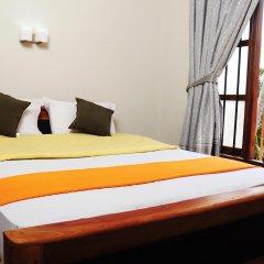 Traveller's Home Hotel комната для гостей