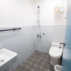 Отель First Stay Hotel Южная Корея, Сеул - отзывы, цены и фото номеров - забронировать отель First Stay Hotel онлайн ванная