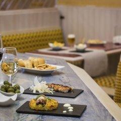 Отель Ayre Hotel Sevilla Испания, Севилья - 2 отзыва об отеле, цены и фото номеров - забронировать отель Ayre Hotel Sevilla онлайн питание фото 2