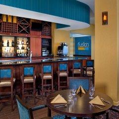 Sheraton Virginia Beach Oceanfront Hotel гостиничный бар