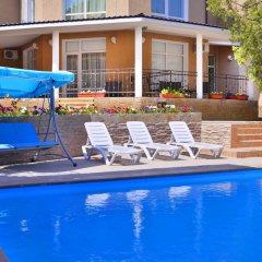 Гостиница Feliz Verano бассейн