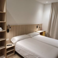 Отель Hostal Conde Güell Испания, Барселона - отзывы, цены и фото номеров - забронировать отель Hostal Conde Güell онлайн комната для гостей фото 5
