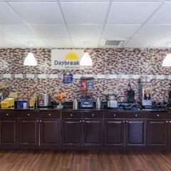 Отель Days Inn by Wyndham Sarasota Bay питание