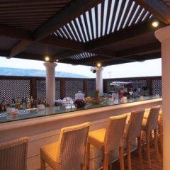 Hera Hotel бассейн