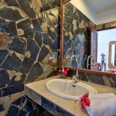 Отель Crystal Bay Beach Resort ванная фото 2