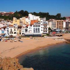 Отель Hostal Restaurant Sa Malica Бланес пляж