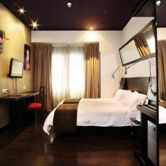 Отель Avenida Gran Via Испания, Мадрид - отзывы, цены и фото номеров - забронировать отель Avenida Gran Via онлайн сейф в номере