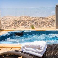 Отель Petra Bubble Luxotel бассейн