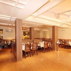 Отель Sandalwood Hotel & Retreat Индия, Гоа - отзывы, цены и фото номеров - забронировать отель Sandalwood Hotel & Retreat онлайн питание