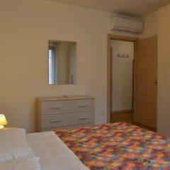 Отель Residence Boschetti Манерба-дель-Гарда комната для гостей фото 5