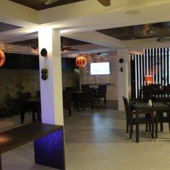 Отель Beachwood at Maafushi Island Maldives гостиничный бар