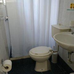 Отель Eleni Rooms ванная фото 4