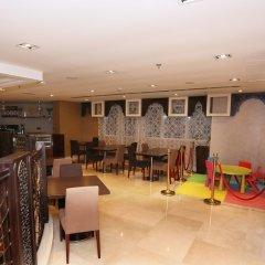 Отель Al Hamra Hotel ОАЭ, Шарджа - отзывы, цены и фото номеров - забронировать отель Al Hamra Hotel онлайн гостиничный бар