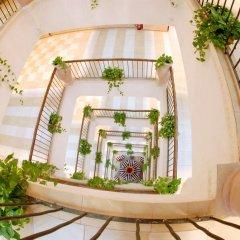 Отель Al Liwan Suites балкон