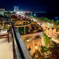 Отель Sunrise Nha Trang Beach Hotel & Spa Вьетнам, Нячанг - 5 отзывов об отеле, цены и фото номеров - забронировать отель Sunrise Nha Trang Beach Hotel & Spa онлайн балкон