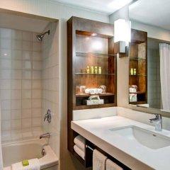 Отель Delta Hotels by Marriott Toronto East Канада, Торонто - отзывы, цены и фото номеров - забронировать отель Delta Hotels by Marriott Toronto East онлайн ванная