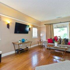 Отель LA157 2 Bedroom Apartment By Senstay США, Лос-Анджелес - отзывы, цены и фото номеров - забронировать отель LA157 2 Bedroom Apartment By Senstay онлайн комната для гостей фото 5