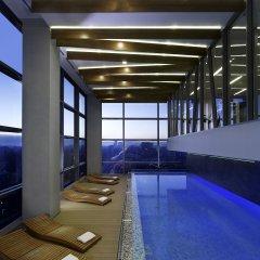 Отель DoubleTree by Hilton Zagreb бассейн