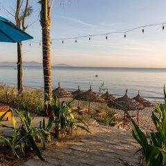Отель Five Rose Villas пляж
