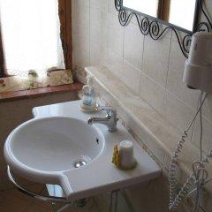 Отель Totti Affittacamere Италия, Сан-Джиминьяно - отзывы, цены и фото номеров - забронировать отель Totti Affittacamere онлайн ванная