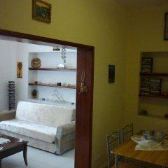 Отель Myndos Guesthouse комната для гостей фото 4
