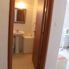 Отель Galatia's Court ванная фото 2